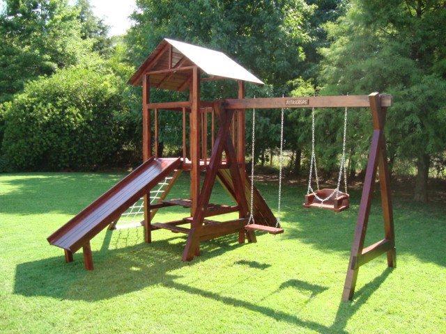 Mangrullos de madera para exteriores en lomas de zamora for Juegos de jardin infantiles de madera