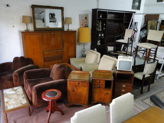 Compro muebles usados antiguedades comedor sillon 2065 for Muebles usados gratis