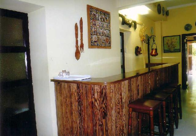 Im genes de fabricacion de mesas para todos los rubros en for Fabricacion de bares de madera