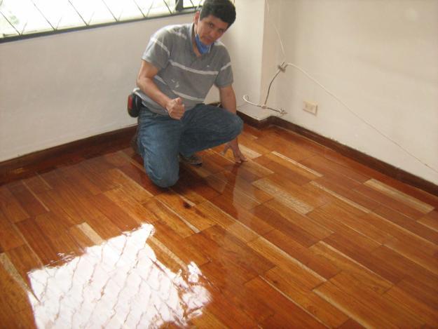 Pisos de madera en c rdoba for Zocalos de madera para pisos