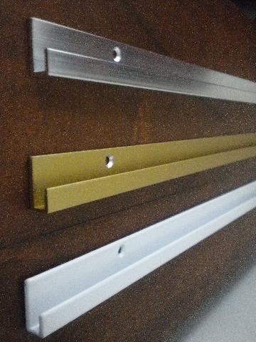 Rieles de aluminio para colgar cuadros av rivadavia 1255 - Rieles para colgar cuadros ...