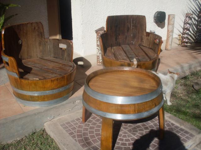 vendo muebles de roble reciclado de barricas en San Rafael