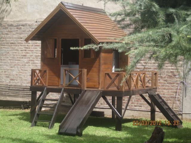 Casitas de madera juegos infantiles en lomas de zamora for Casita madera jardin