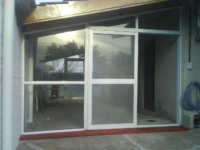 Cerramientos ventanas portones puertas mosquiteros de for Mosquiteros de aluminio