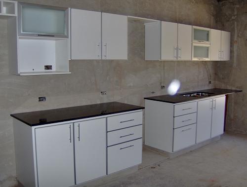 Muebles de cocina en melamina en pilar for Muebles de cocina modernos precios