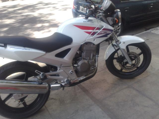 Honda Twister Special White Edition 2011 Exelente Estado