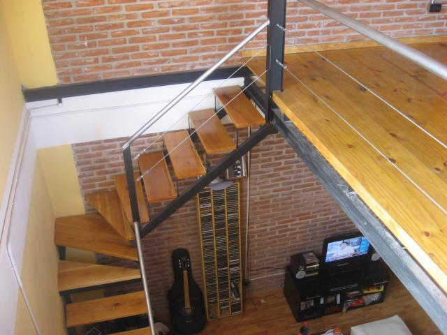 Im genes de carpintero artistico en hierro y madera en for Escalera de madera para entrepiso